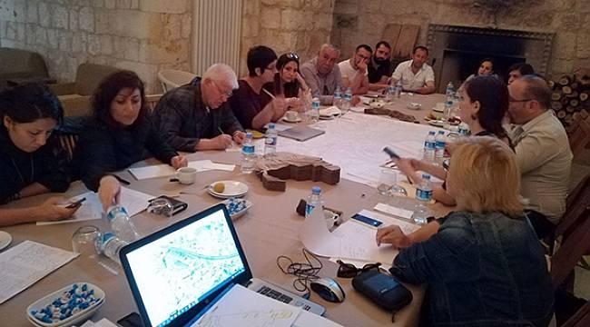 Mimarlar Hekimhan'da Kampa Girdi