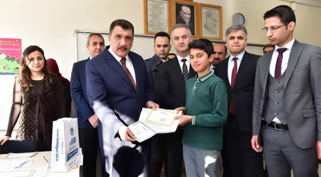 Gürkan Öğrencilere Tatil Uyarısında Bulundu