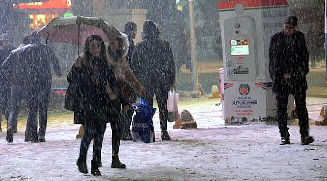 Kar Yağışı Malatya'da Şiddetini Arttırıyor