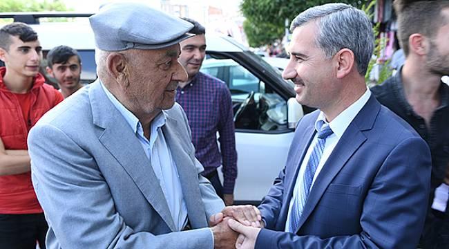 Mehmet Çınar Oy Değil Gönül Kazanıyor