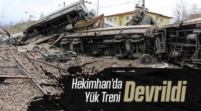 Malatya'da Freni Boşalan Yük Treni Devrildi